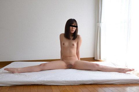 ヌードデッサンモデルとしてきたのに執拗にカラダをいじるから我慢できなくなっちゃった 大橋恵