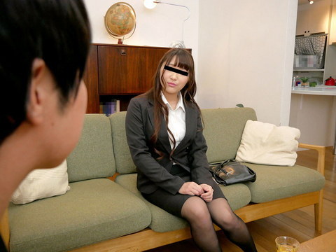 すっぴん素人 ~幼馴染だからってメイクを落とした顔を見られるのは恥ずかしいよ~ 橋本玲美
